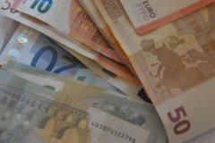 Rajono vadovų atlyginimai padidėjo trečdaliu