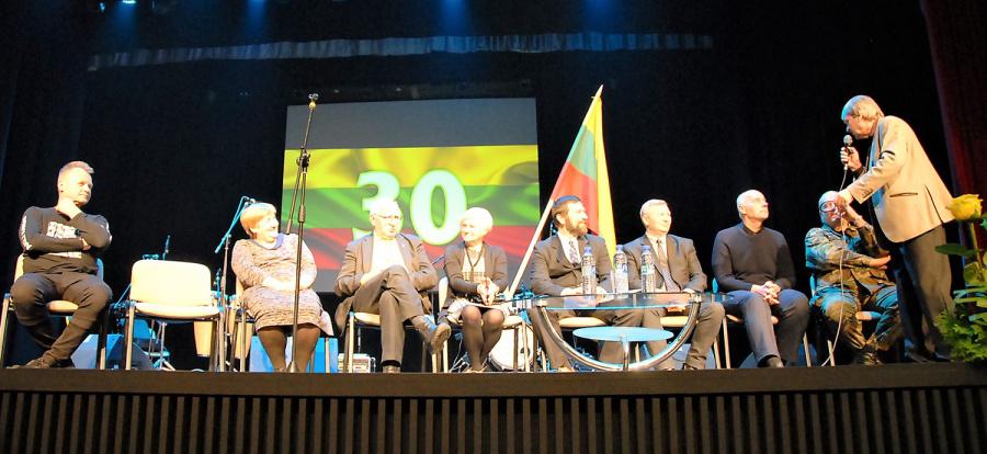 Prisiminimais dalijosi Sąjūdžio Ukmergėje ir Lietuvoje iniciatoriai. Gedimino Nemunaičio nuotr.