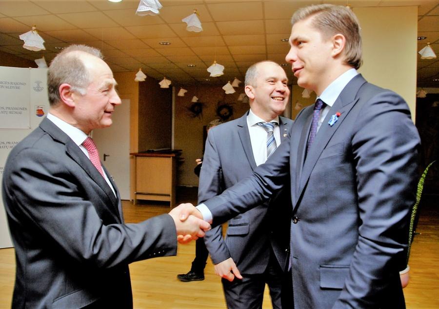 R. Baravykas ir R. Janickas pasitiko ūkio ministrą M. Sinkevičių. Gedimino Nemunaičio nuotr.