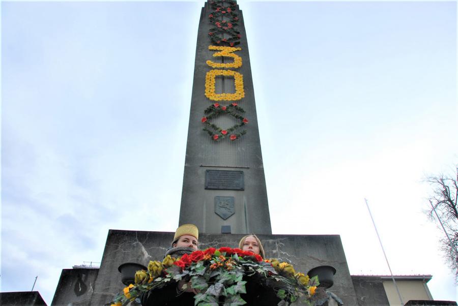 """Gedimino Nemunaičio nuotr. Paminklas """"Lituania Restituta"""" buvo atstatytas prieš 30 metų."""