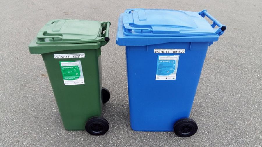 Gyventojai vietoje spalvotų maišų gaus mėlynus ir žalius konteinerius.
