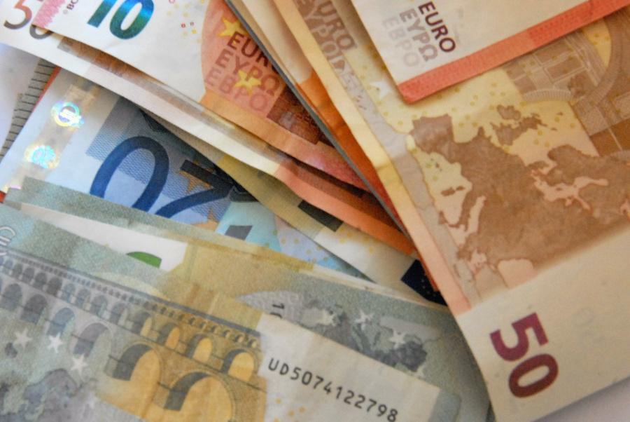 Aiškinsis, kaip savivaldybės skirsto 10 mln. eurų verslui