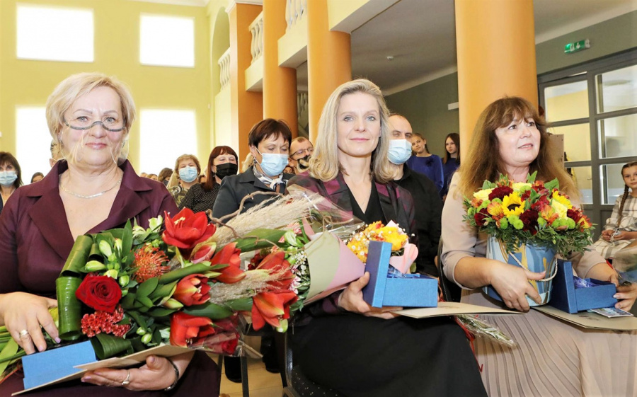 Metų mokytojos Aušra Danielienė, Ramutė Sakalauskienė, Virginija Savickienė.   Dainiaus Vyto nuotr.