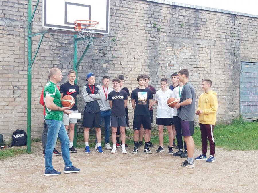 Ukmergėje surengtos krepšinio baudų metimo varžybos.