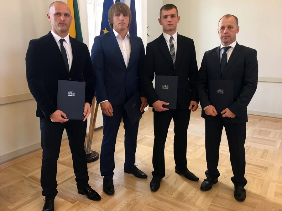 Iš kairės: Tomas Putinauskas, Teodoras Aukštuolis, Mindaugas Veržbickas ir Artūras Sakas.
