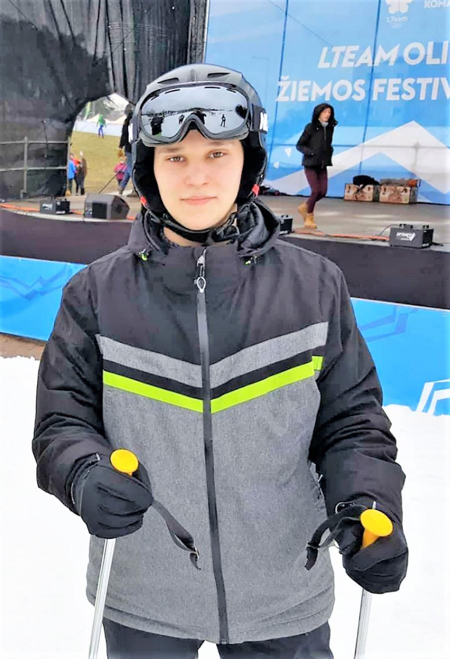 Rungėsi slidinėjimo trasoje