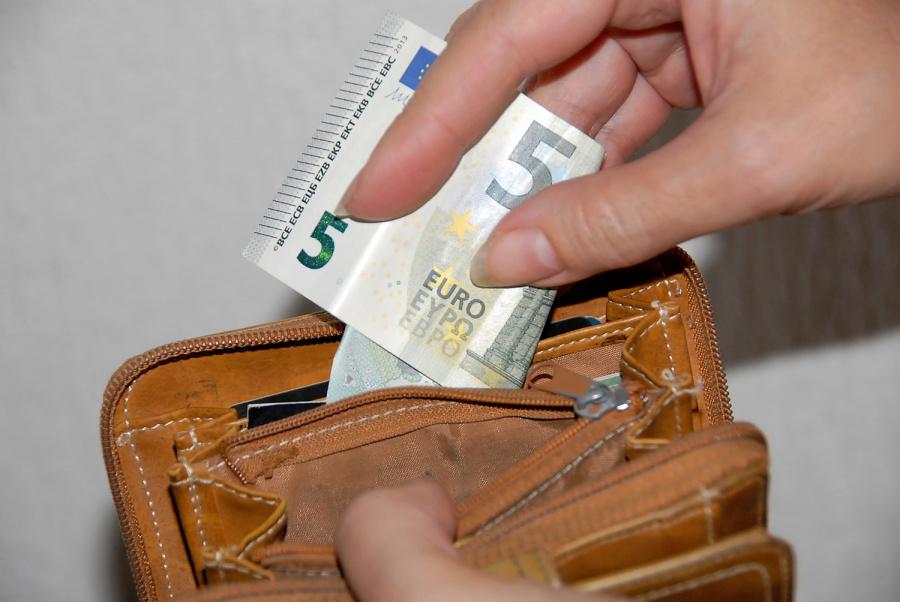 Statistikos duomenimis, piniginės pilnėja
