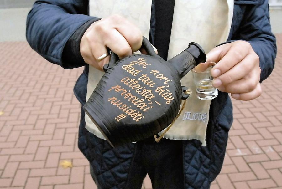 Policijos teigimu, informacija apie neteisėta prekyba užsiimančius asmenis renkama. Gedimino Nemunaičio nuotr.