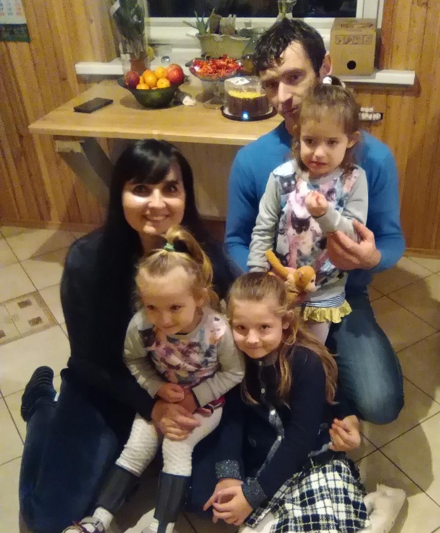 Dalios Kuliešienės šeimos džiaugsmas – trys dukrytės. Asmeninio archyvo nuotr.