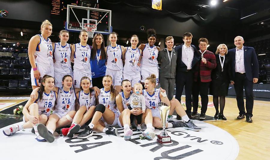 """Ukmergės """"Vilkmergės"""" krepšininkės iškovojo sidabro medalius. Dainiaus Vyto nuotr."""