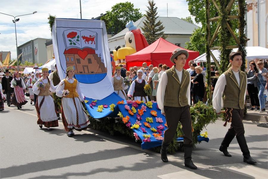 Šventės eitynėse šiemet dalyvavo beveik 1600 ukmergiškių ir miesto svečių. Gedimino Nemunaičio nuotr.