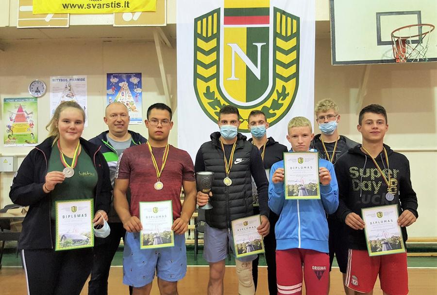 Vyko XXII Lietuvos svarsčių kilnojimo dvikovės čempionatas